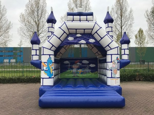 bouncer super castle with roof