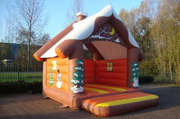 Bouncer standard winter house with roof
