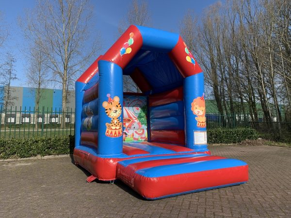 Bouncer Mini Circus with roof